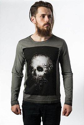 Camiseta  Estonada Manga Longa Skull Destiny