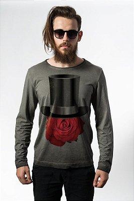 Camiseta Estonada Manga Longa Rose Hat
