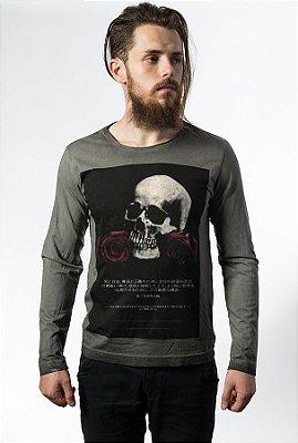 Camiseta Estonada Manga Longa Skull Wars