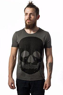 Camiseta Estonada Corte a Fio Black Skull