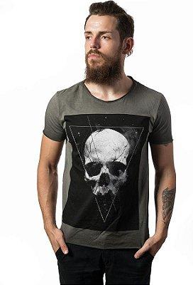 Camiseta Estonada Corte a Fio Skull Dark