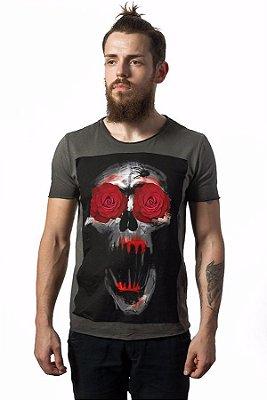 Camiseta Estonada Corte a Fio Skull Ghost Roses
