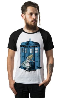 Camiseta Raglan Alice Doctor