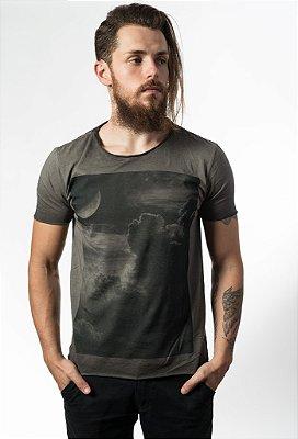 Camiseta Clouds Corte a Fio