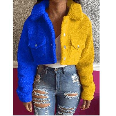 Box Simply: Jaqueta Curta Rainbow - Em Plush - Bicolor - Fecho com Botões - Dois Bolsos - Frete Grátis