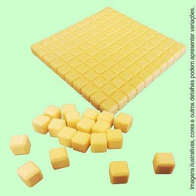 Material Dourado 111 peças em plástico (Sacola TNT)