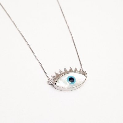 Colar olhos cílios prata