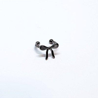 Piercing laço negro