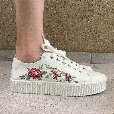 Tênis Branco com Bordado Floral Sua Cia