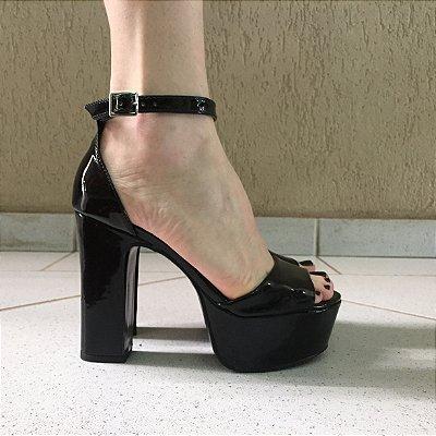 Sandália Meia Pata de Verniz Liêz