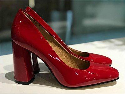 Scarpin de Verniz Vermelho Bico Redondo Lia Line