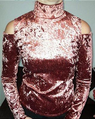 Blusa de veludo molhado rosê ombro de fora M