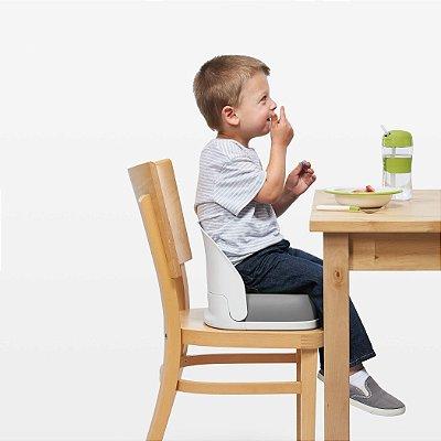 Assento Infantil para Elevação com Encosto e Cinto (Booster de Alimentação) - Branco e Cinza - Oxo Tot