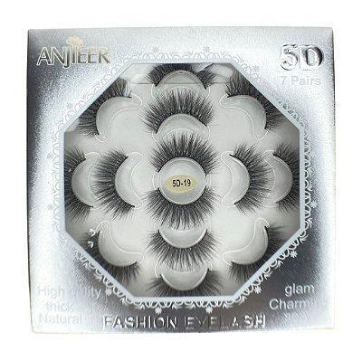 Caixa com 7 pares de cílios postiços 5D n.19 Adriane Makeup