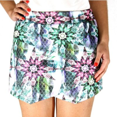 Shorts Saia Assimétrico Floral Verde- She's Collection