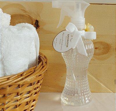 Água perfumada para os lençóis Linha Essence