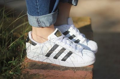 Tênis Adidas Listras Pretas Superstar Foundation - Inspired