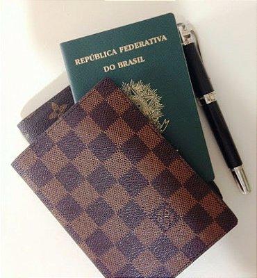 Porta Passaporte Louis Vuitton -  Couro Legítimo