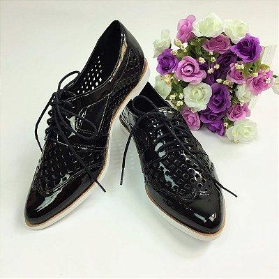 Sapato Oxford Envernizado Com Recorte Vazado