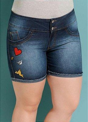 Short Jeans Quintess com Patches Plus Size