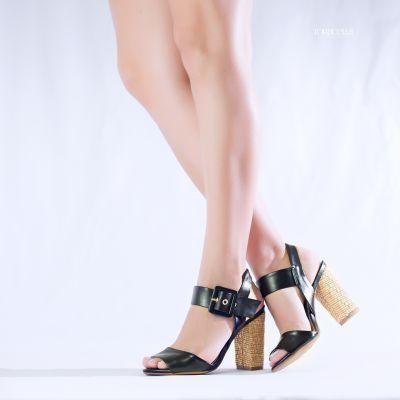 Sandália Clássica Preta - Torricella