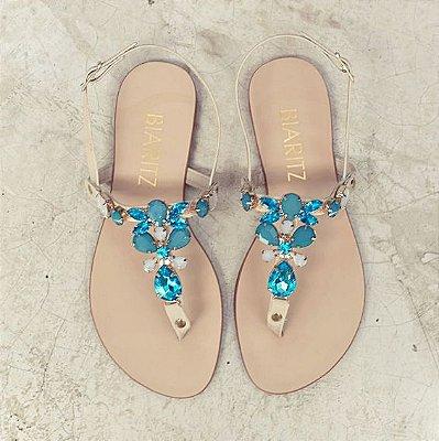 Sandália Rasteira com Pedrarias Azul Céu