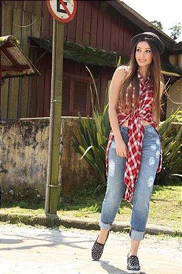 Calça Feminina Destroyed em Jeans