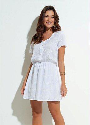 Vestido Branco com Detalhes no Tecido