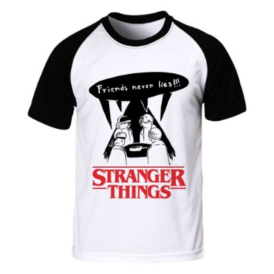 Camiseta Raglan Stranger Things - Friends Never Lies