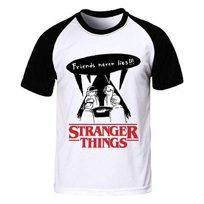 Camiseta Raglan Masculina Stranger Things - Friend Never Lies - BKF