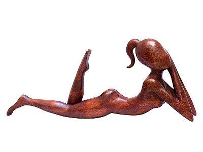 Escultura Abstrata Mulher Deitada 40cm - Bali