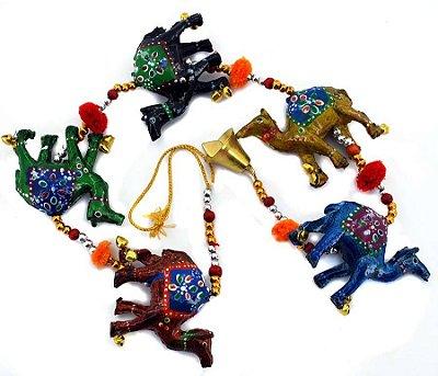 Móbile Indiano de Camelos Coloridos 78cm