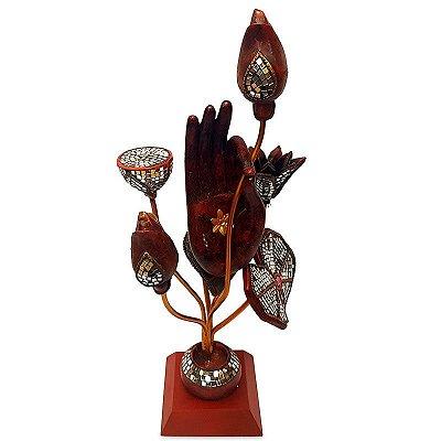Escultura Mão de Buda e Flores