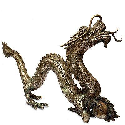 Dragão Oriental em Metal