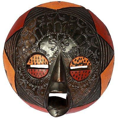 Máscara Africana em Madeira 30x30cm