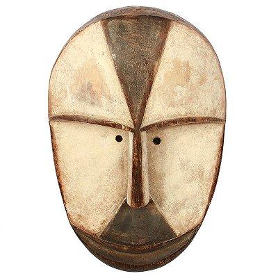 Máscara Africana em Madeira 33x22cm