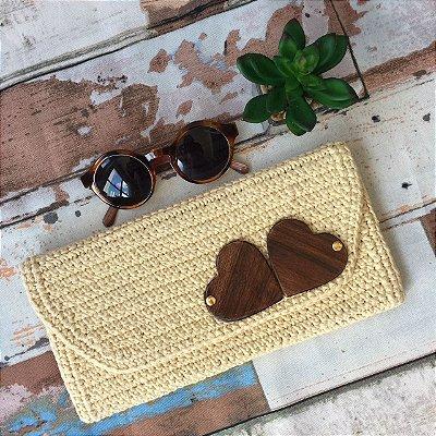 Clutch de crochet Madeira Corações