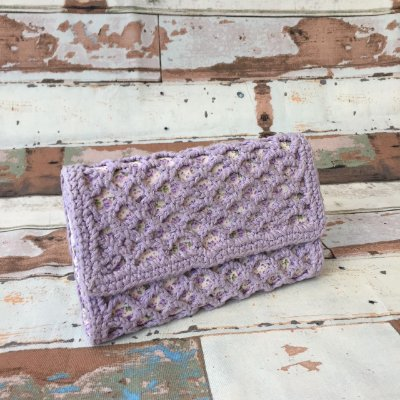 Clutch crochet Vazada floral