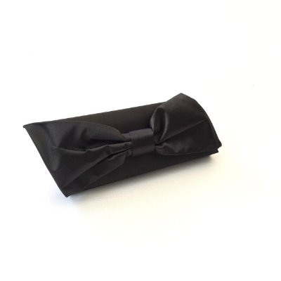 Clutch preta de festa laço diagonal