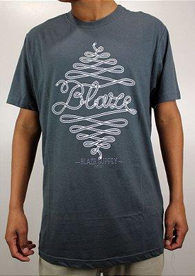 Camiseta Blaze Knot