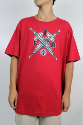 Camiseta Independent Ftr Truck Cross