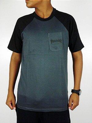 Camiseta Thrasher Cinza Basic Logo com Bolso