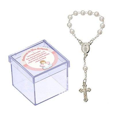30 Caixinhas 5x5 com Mini Terço Branco Lembrancinha de Batizado (Adesivo Menina) BT105