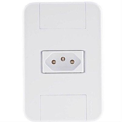 Conjunto tablet branco 4x2 com 1 tomada 2p+t de 20 ampères e