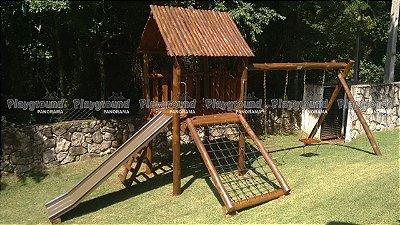 Playground Casinha do Tarzan instalada na chácara Condomínio Cocais de Ibiúna