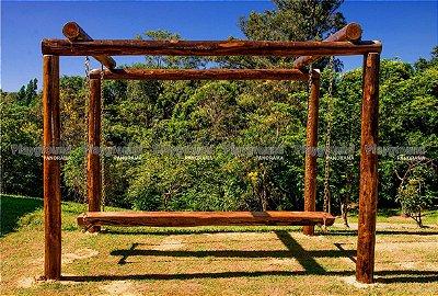 Veleiro em eucalipto tratado / Condomínio Tivoli Park
