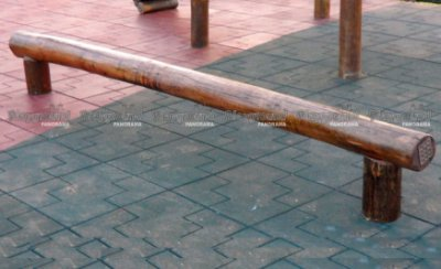 Barra de equilíbrio em eucalipto tratado / Alphaville Nova Esplanada 1