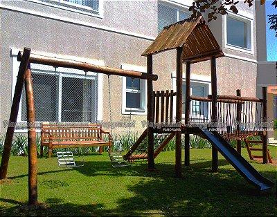 Playground ecológico casinha do Tarzan com ponte / Residência Condomínio Lago Azul.