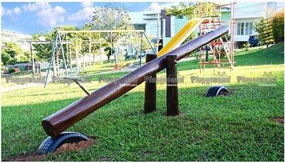 Gangorra com 01 prancha em eucalipto tratado | Condomínio Villazul