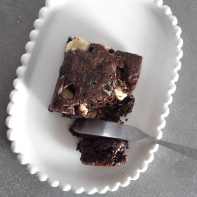 Brownie com Gotas de Chocolate Branco